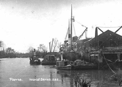 Puke Wharf Paeroa c1920